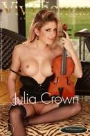 Julia Crown
