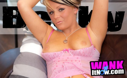 Becky in Lounge gallery from WANKITNOW