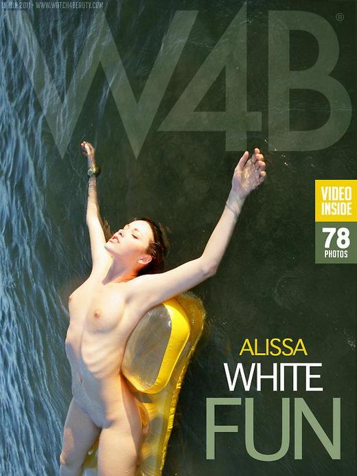 Alissa White in Fun gallery from WATCH4BEAUTY by Mark