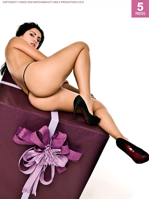 W4B Magazine - `W4B Magazine - Sexy Gifts For Your Friends` - by Mark for WATCH4BEAUTY