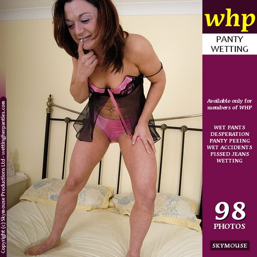 Brandy Kis - `Brandy Kis In A Bedwetting Mood` - by Skymouse for WETTINGHERPANTIES