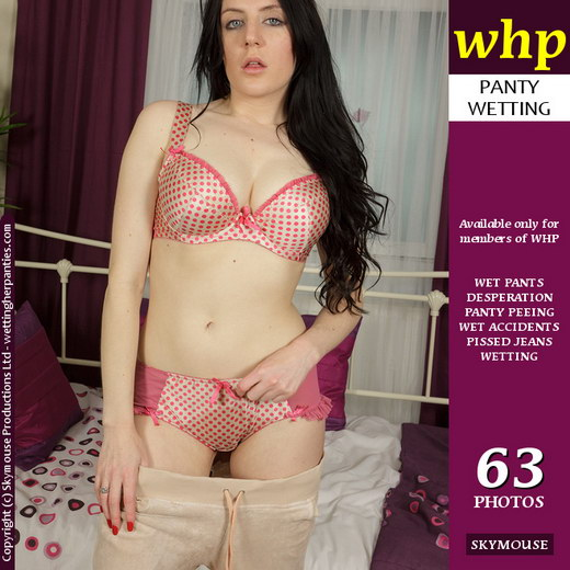 Samantha Bentley - `Samantha Bentley Soaks Her Jogging Pants And Panties` - by Skymouse for WETTINGHERPANTIES