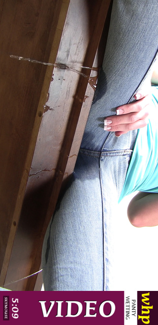 Theresa Louise - `Jeans spurting` - by Skymouse for WETTINGHERPANTIES