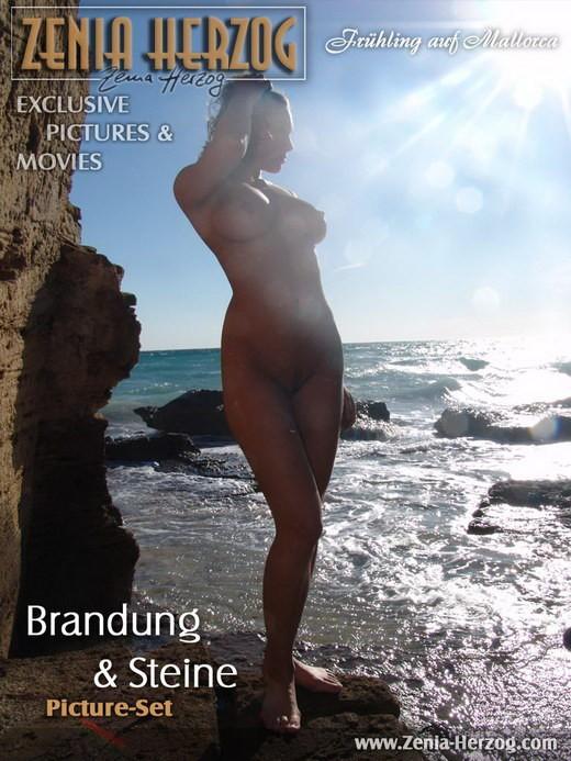 Zenia - `Brandung & Steine` - by Carlos Ridago for ZENIA-HERZOG
