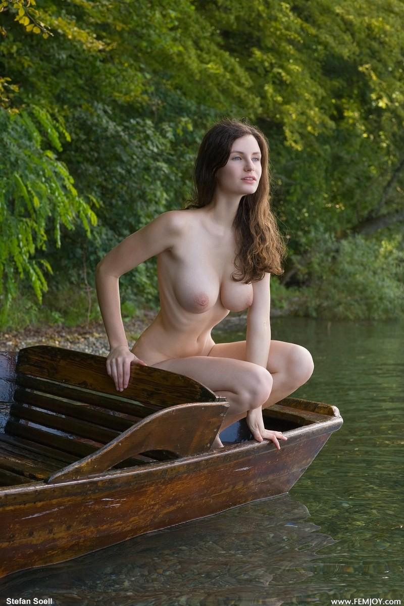Vintage Nude Beach Porn Pictures in Rare Retro Galleries