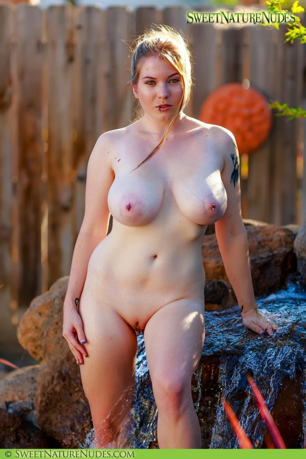 kierra knightly nude pics