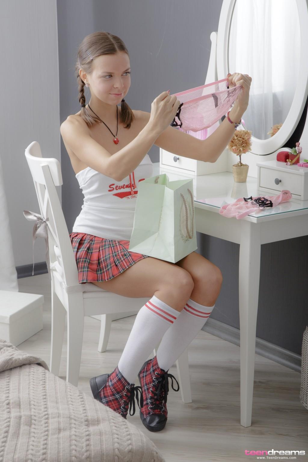 young junior teen nudity