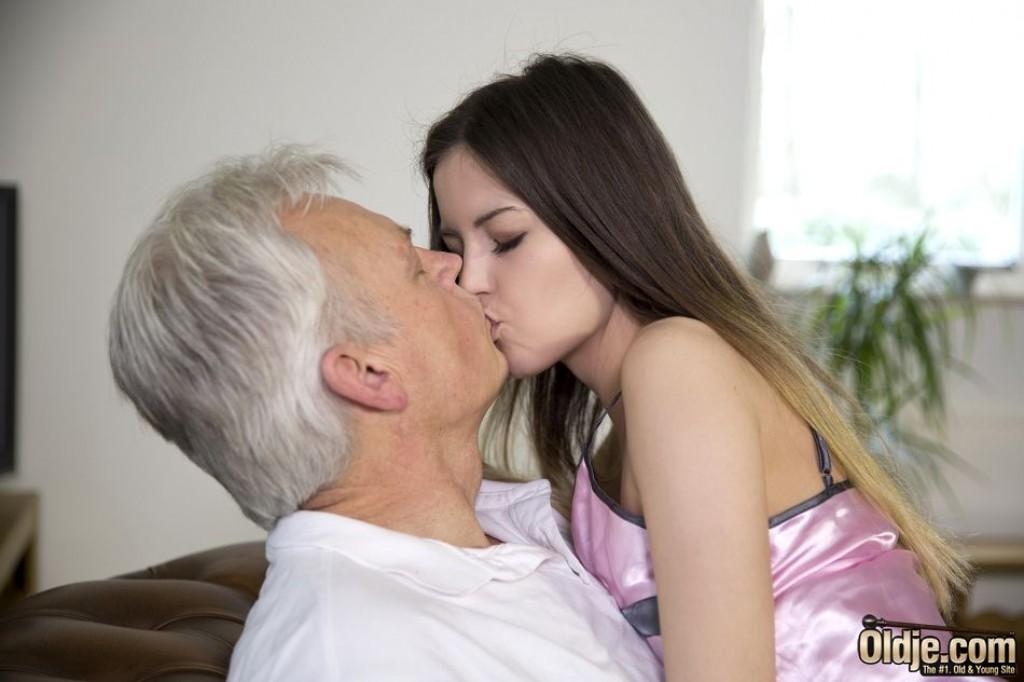 grandpa kiss p o r