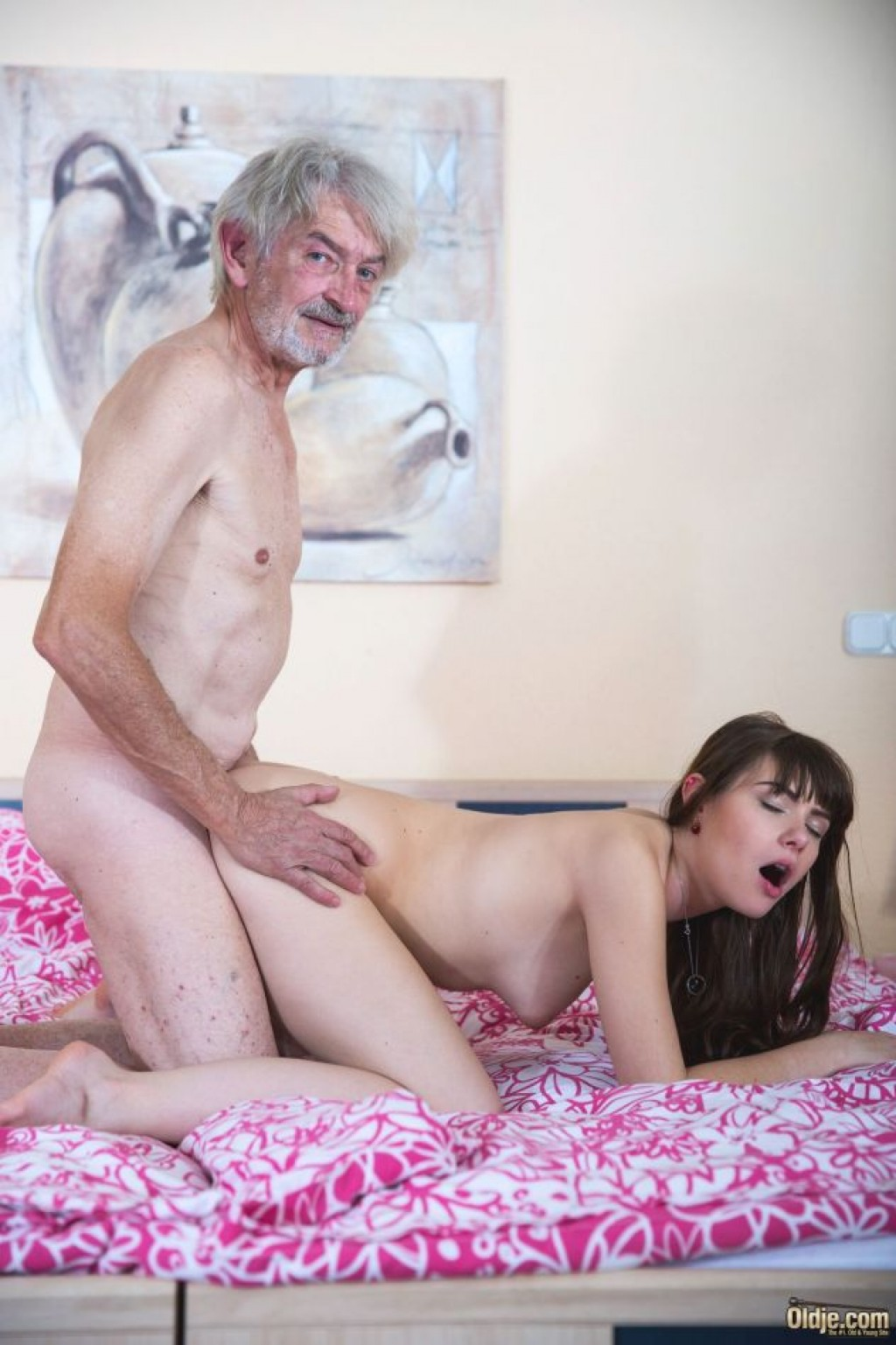 18 years old luna does her first porn casting 9