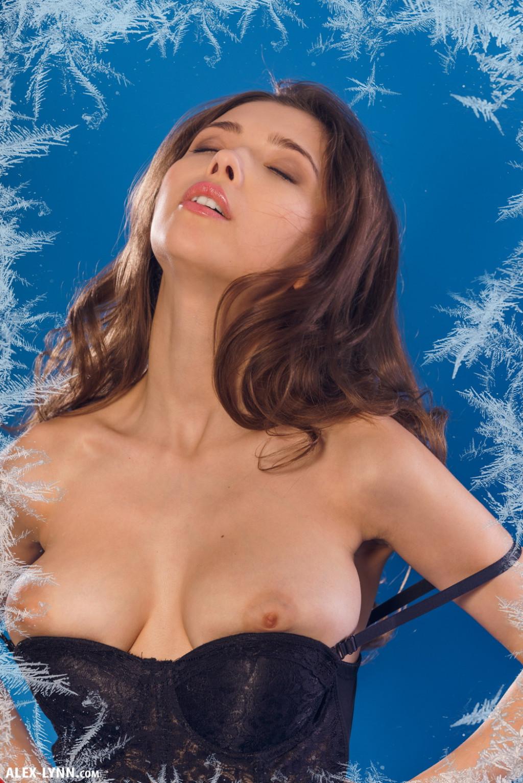 Mila Azul Nude Pics In Happy Holidays Shot By Alex Lynn-3749