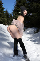 Lady Dee in Peeing In The Snow gallery from WATCH4BEAUTY by Mark - #12