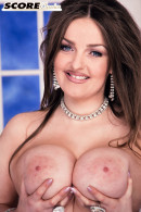 Bonnie Banks nude from Scoreland at theNude.eu